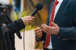 Közszolgálati média adó (Rundfunkbeitrag)